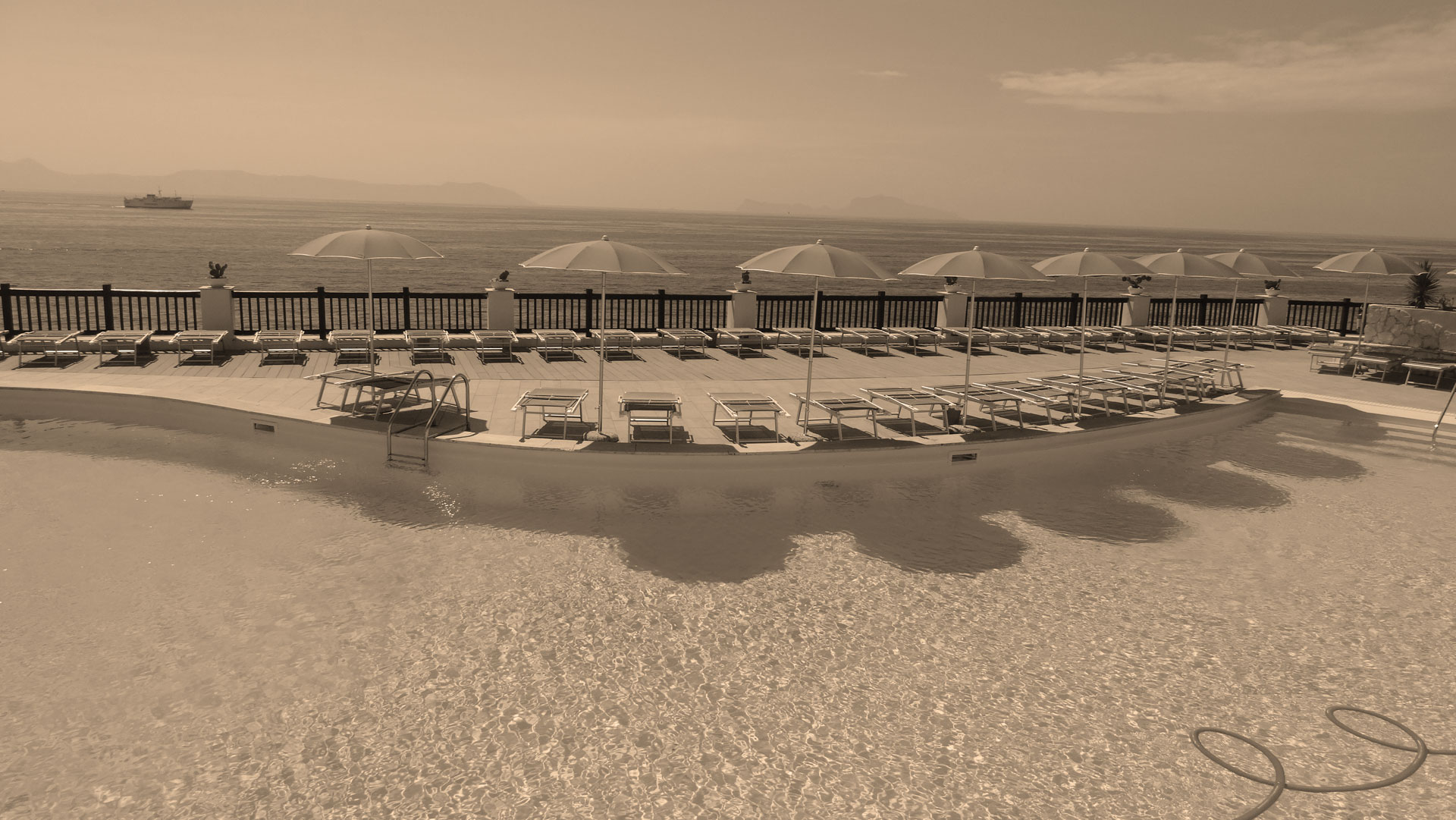 Private Beach 4